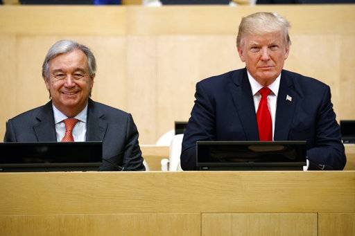 "President Donald Trump sits with UN Secretary General Antonio Guterres for a photo before the ""Reforming the United Nations: Management, Security, and Development"" meeting during the United Nations General Assembly, Monday, Sept. 18, 2017, in New York. (AP Photo/Evan Vucci)"