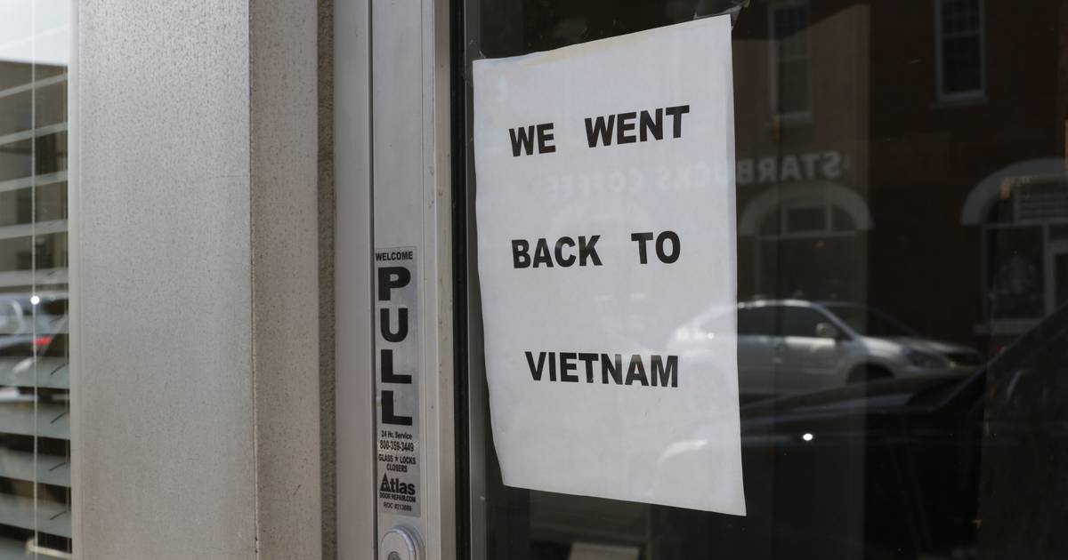 'Went back to Vietnam' sign at former restaurant site stirs controversy in Wheaton