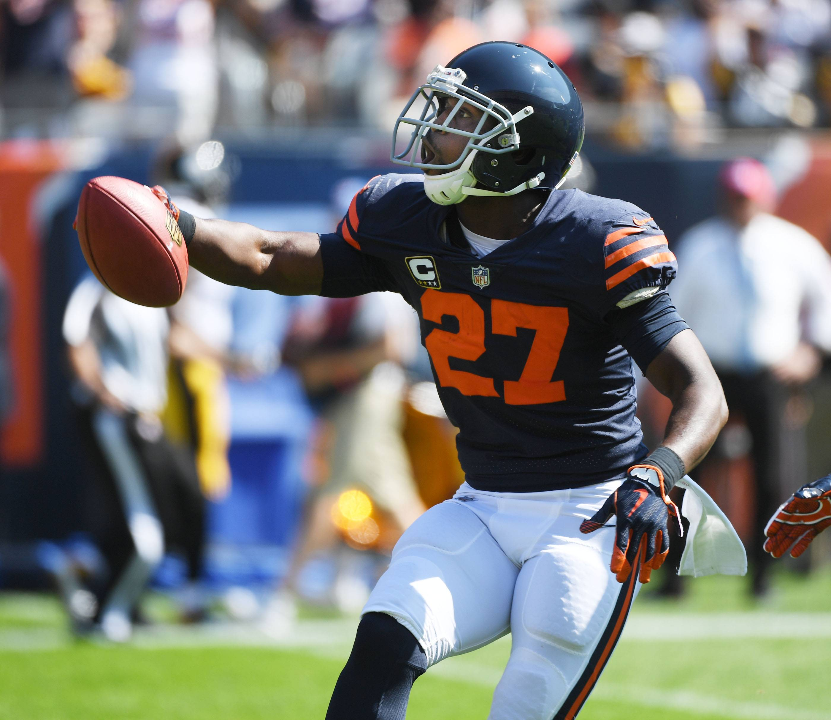 Chicago Bears cornerback Sherrick McManis celebrates recovering a kick dropped by Pittsburgh Steelers wide receiver Eli Rogers Sunday at Soldier Field in Chicago.