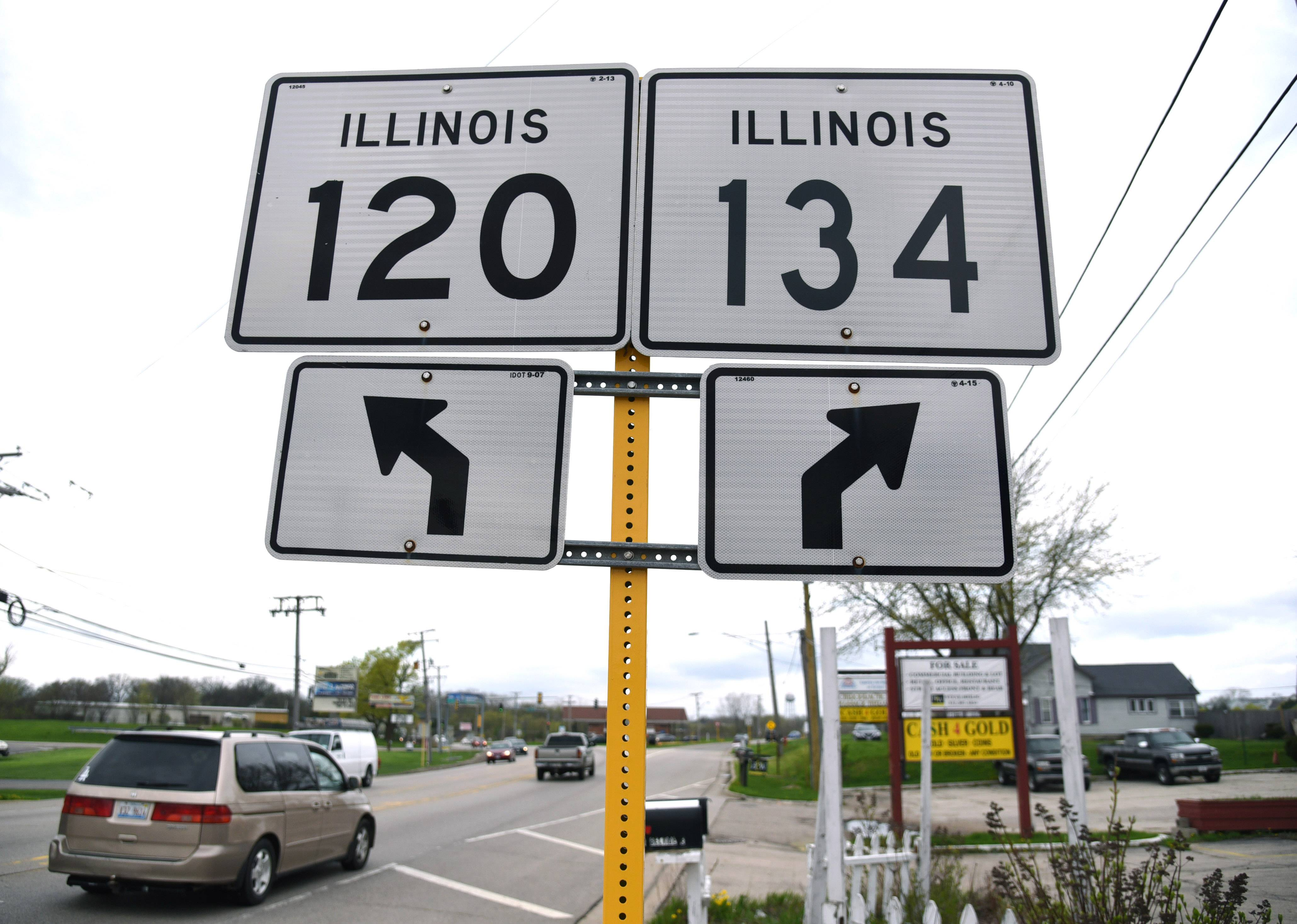 A project to connect and synchronize traffic signals on Route 120 east from Route 134 in Hainesville to Route 45 in Grayslake is expected to improve traffic flow.