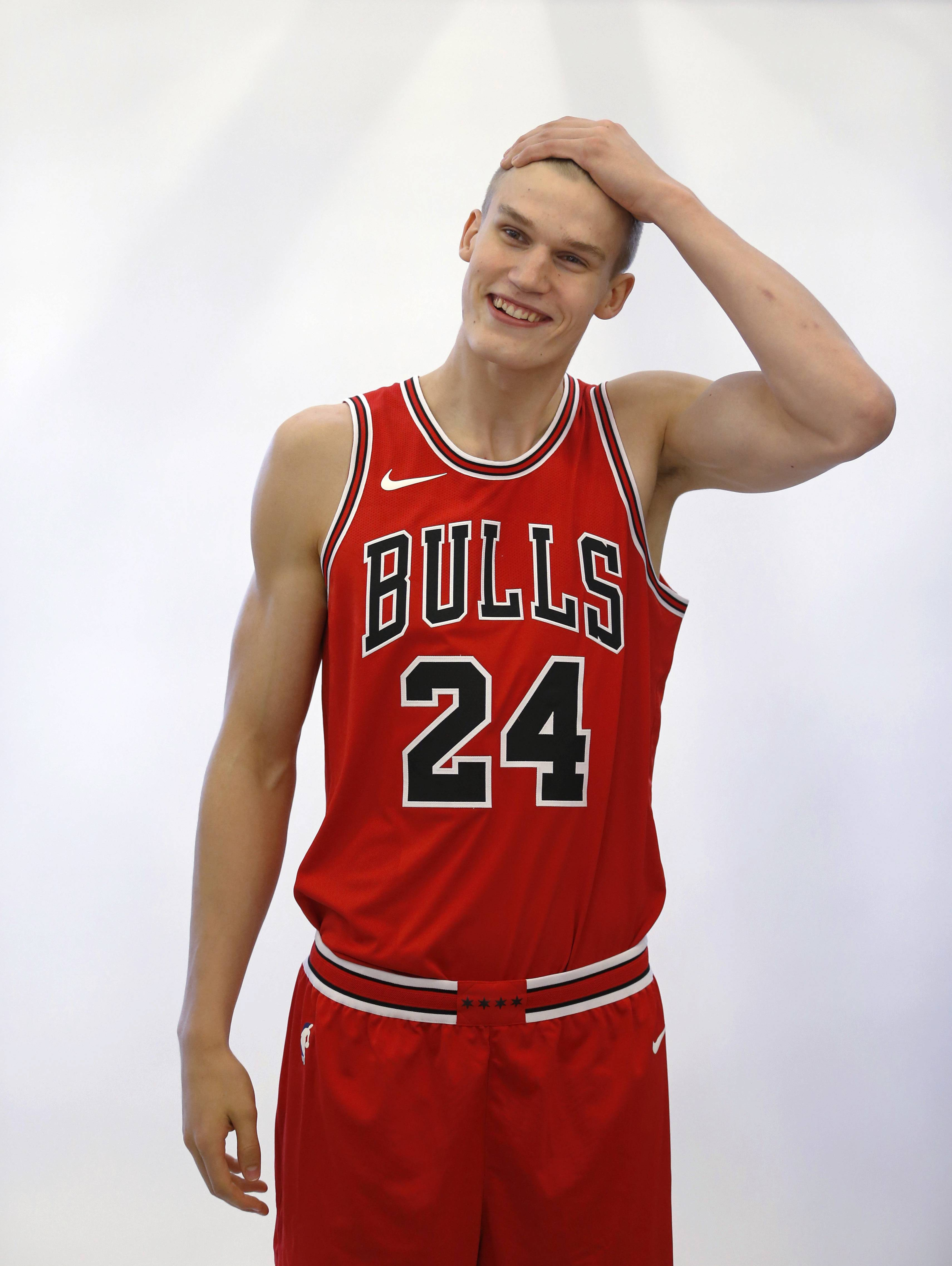 Markkanen sits out Chicago Bulls practice with sore back