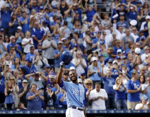 Kansas City Royals' Lorenzo Cain acknowledges the crowd before batting during the third inning of a baseball game against the Arizona Diamondbacks Sunday, Oct. 1, 2017, in Kansas City, Mo.