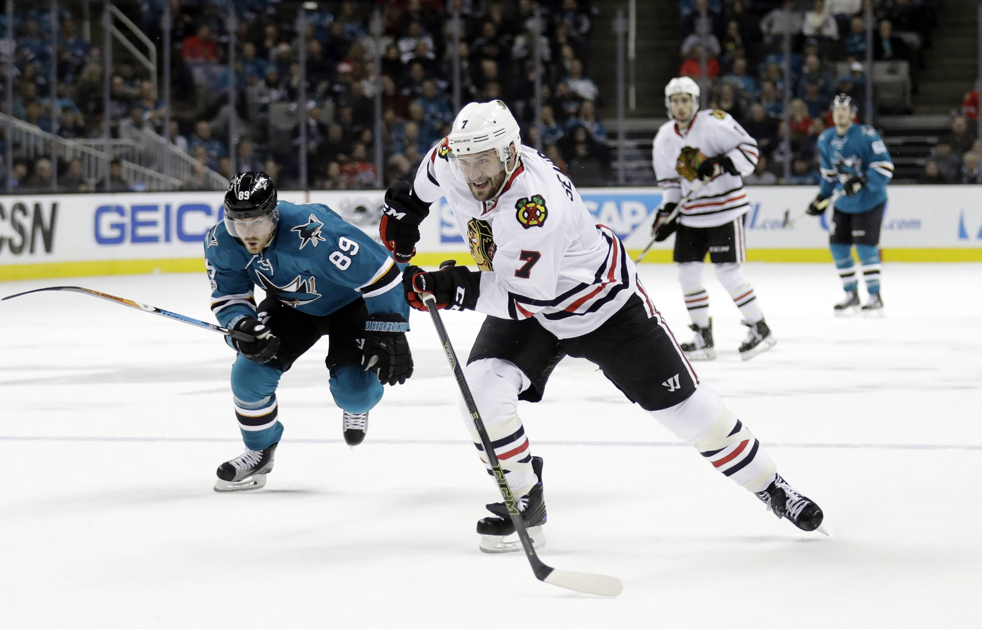 Seabrook looks to help Chicago Blackhawks regain the glory