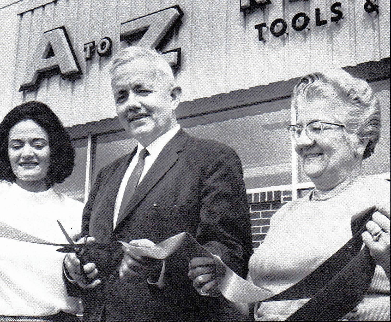 Daniel Congreve, center, was mayor of Mount Prospect from 1965 to 1969.