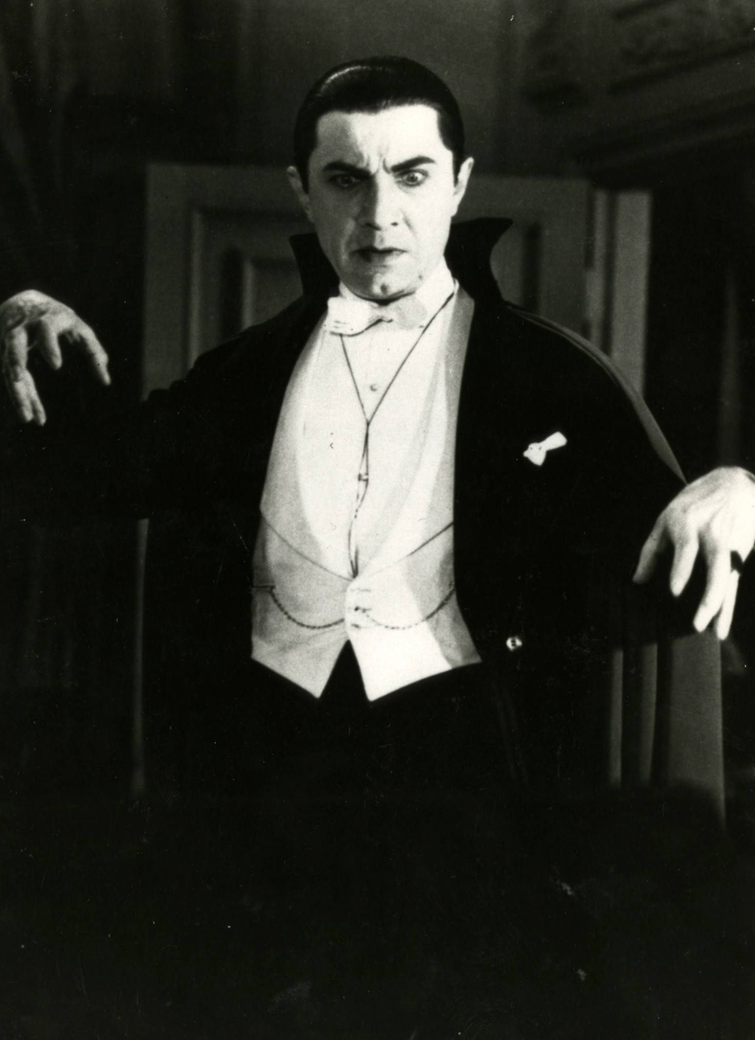 "Dann & Raymond's Movie Club sinks its teeth into ""Dracula"" and other scary classics on Wednesday, Oct. 11, at the Palatine Public Library."