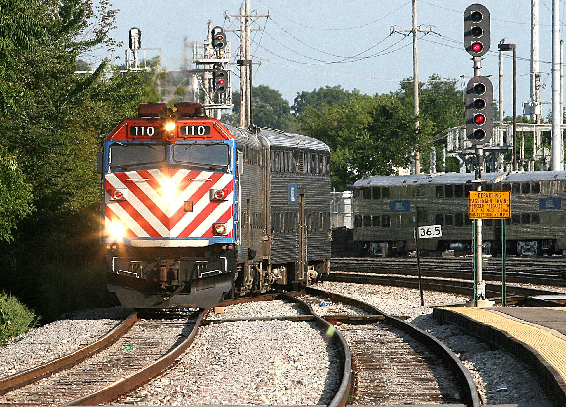 Metra commuters could see reduced service on some routes in 2018 as a result of the agency's proposed doomsday budget.