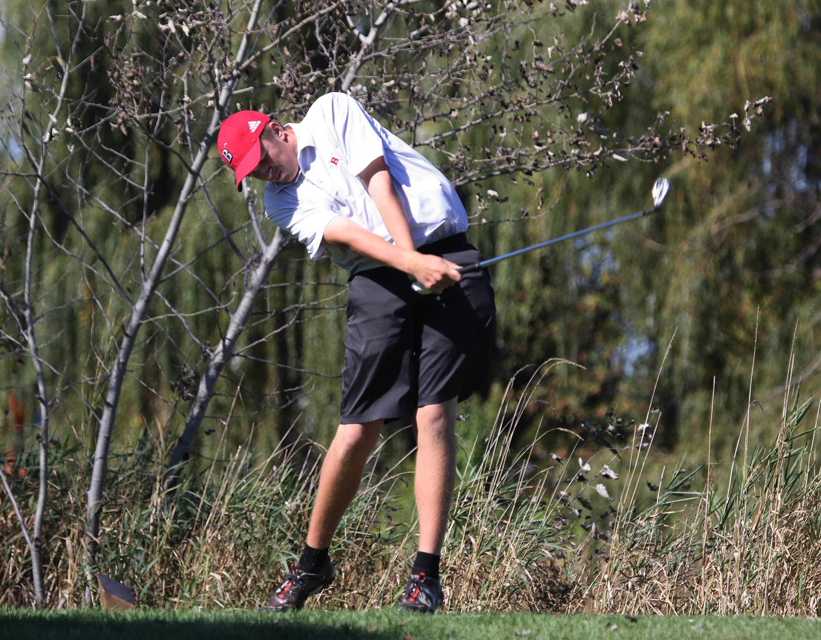 Barrington golfer Bobby Beaubien tees off on the third hole during the Class 3A Warren boys golf sectional on Monday at Bittersweet Golf Club in Gurnee.