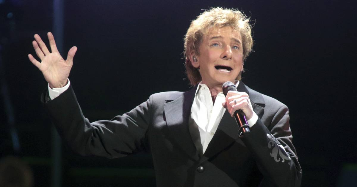 Tickets: Barry Manilow\'s \'Christmas\' on sale Friday