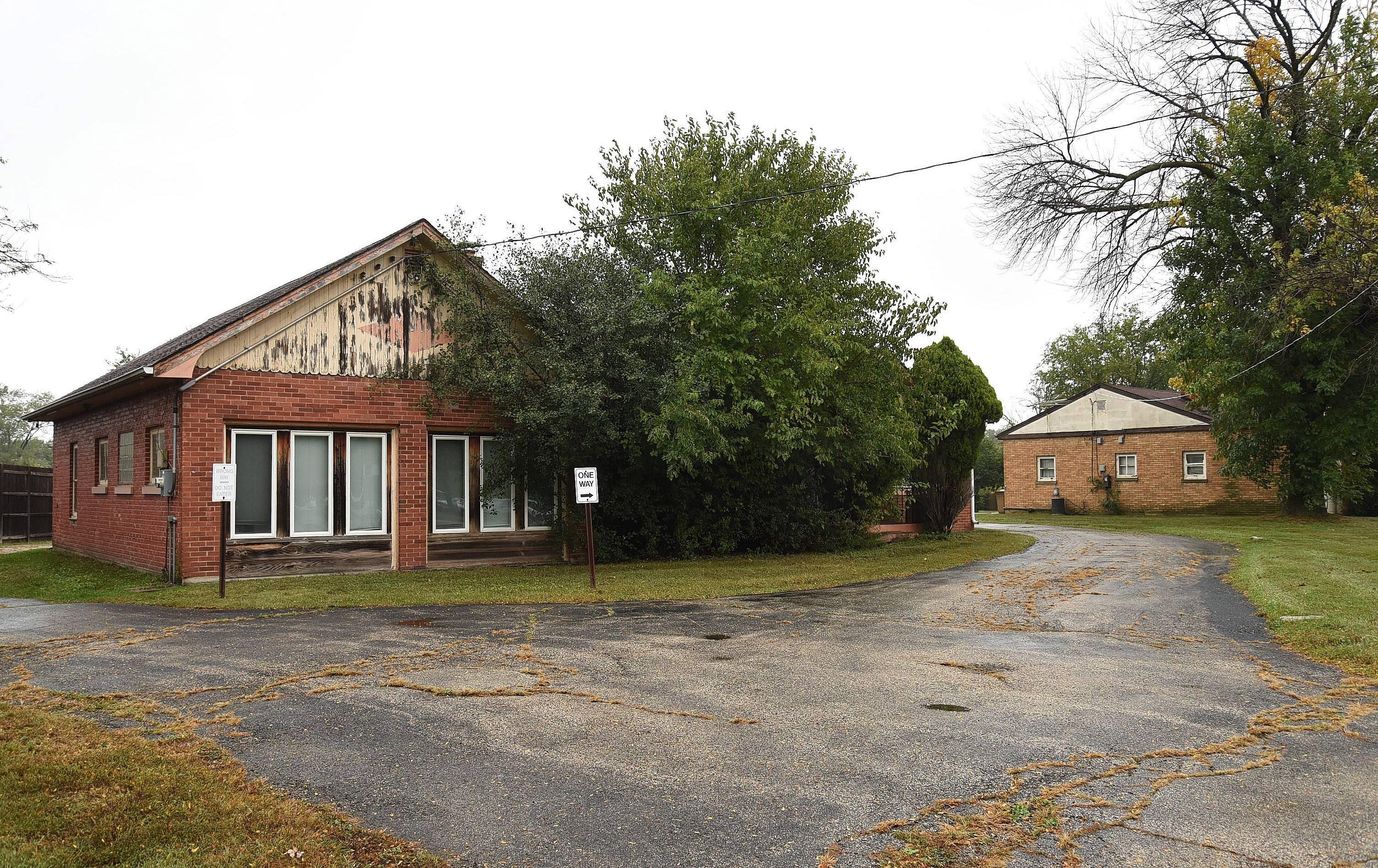 The Rolling Meadows City Council has approved a bid to buy this property at 2320, left, and 2350 Hicks Road for a new fire station.