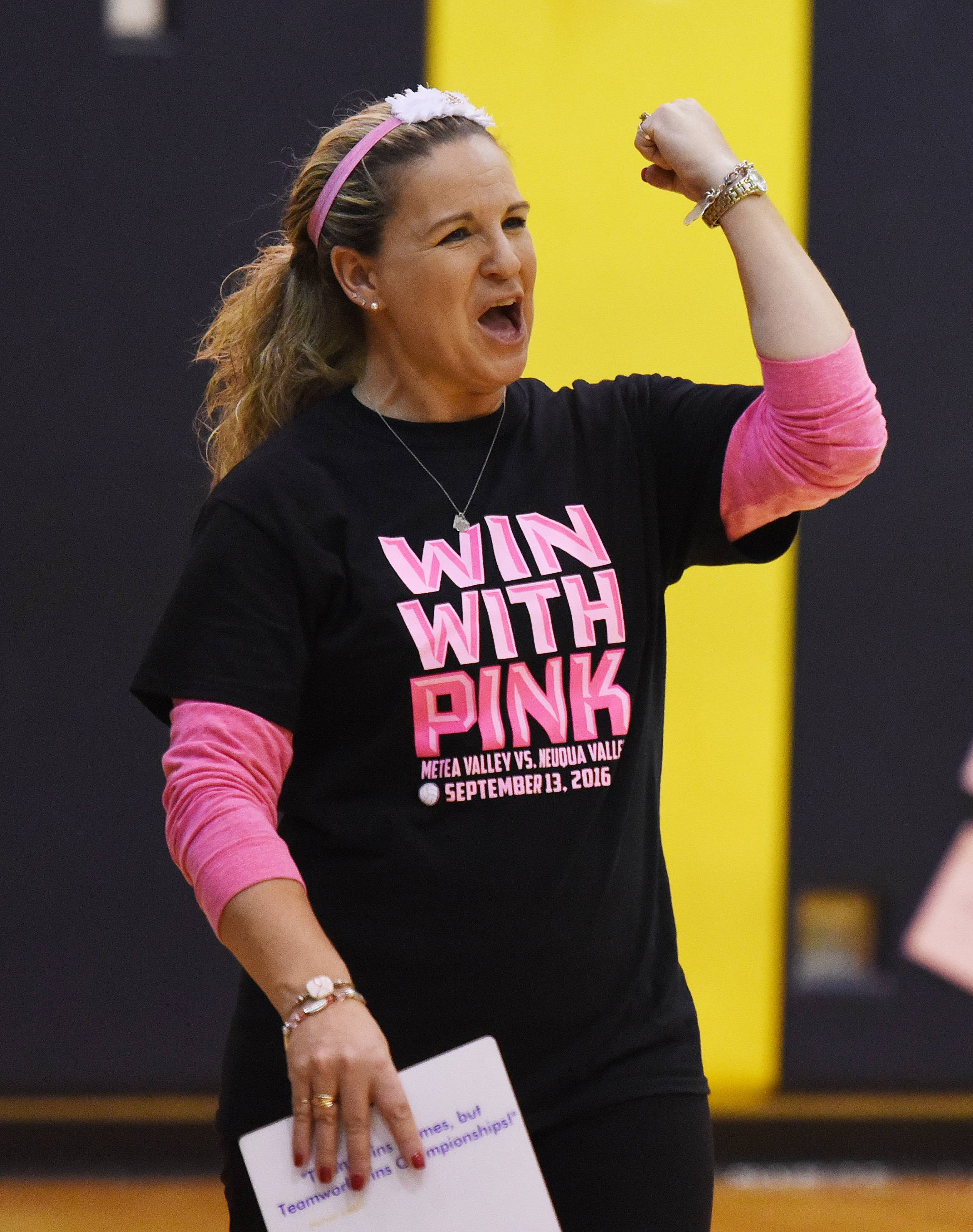 Neuqua Valley coach Kelly Simon earned her 500th victory last week.