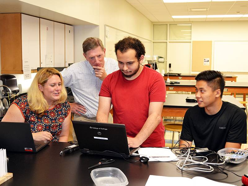 (Pictured from left to right: Jennifer Gimmell, Tom Carter, Amr Elseweifi and Kevin Nguyen/Photo by College of DuPage)