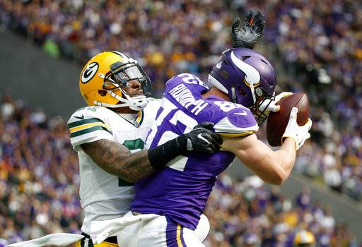 Vikings D Takes Down Rodgers Dismantles Packers 23 10
