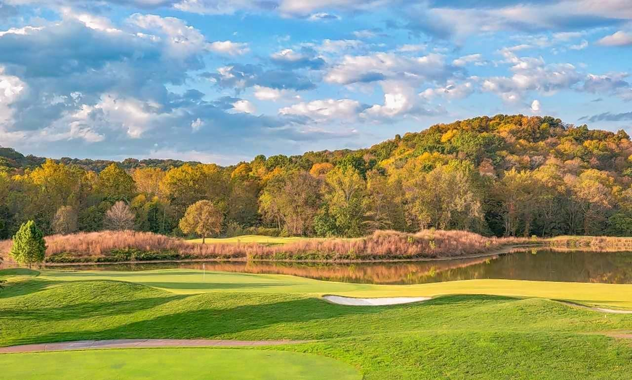 KemperSports has been selected to manage The Inns at St. Albans in St. Albans, Missouri. It overlooks the golf courses at The Country Club of St. Albans.