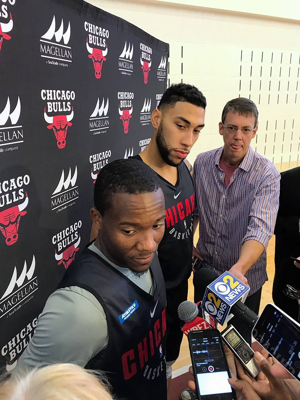 Point guard Kay Felder, left, played at Oakland University in Michigan when Denzel Valentine, center, was a star at Michigan State. The Chicago Bulls signed Felder, a 5-foot-9 point guard, as a free agent.
