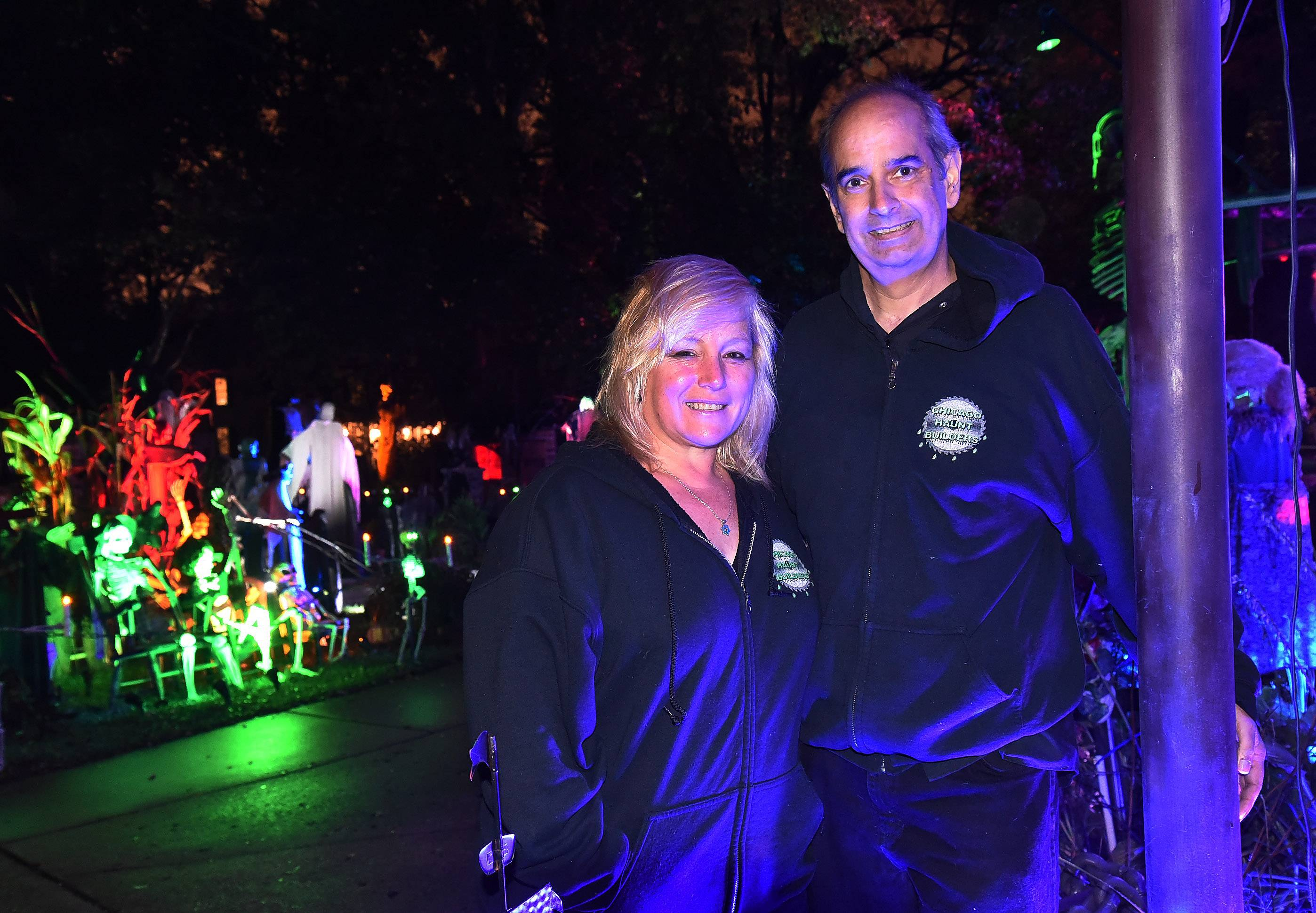 For 17 years, Michael Podlin and TammySue Margalit have turned their Arlington Heights home into a spectacular Halloween display. Podlin's grim pancreatic cancer diagnosis doesn't change their desire to give visitors good, scary memories.