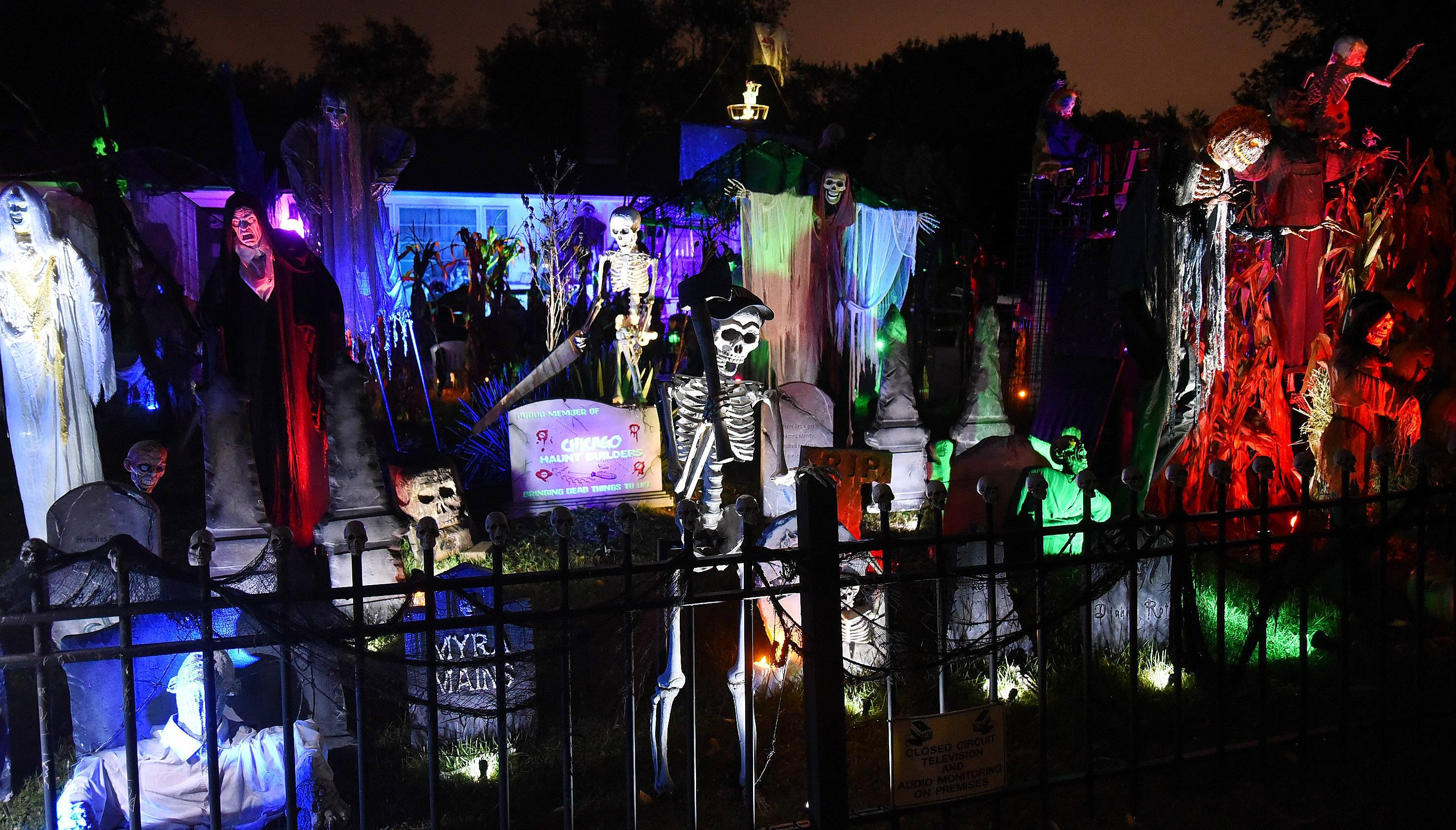 Hundreds of visitors stop by every night during October, but 1,500 visit this Arlington Heights home on Halloween. For 17 years, Michael Podlin and TammySue Margalit have turned their Arlington Heights home into a spectacular Halloween display.