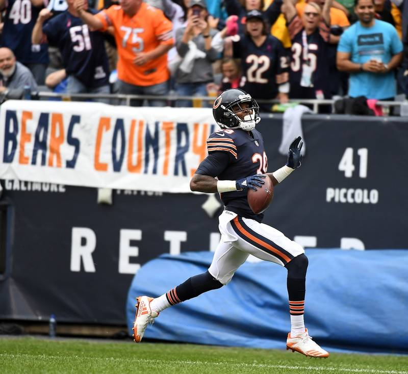 images chicago bears defense stuffs the carolina panthers