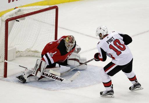 Ottawa Senators left wing Tom Pyatt (10) scores a shootout goal against New  Jersey 154d01f30