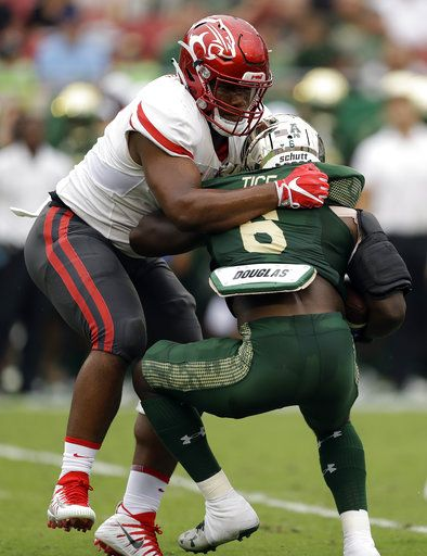 King's late TD lifts Houston to 28-24 upset of No  17 USF