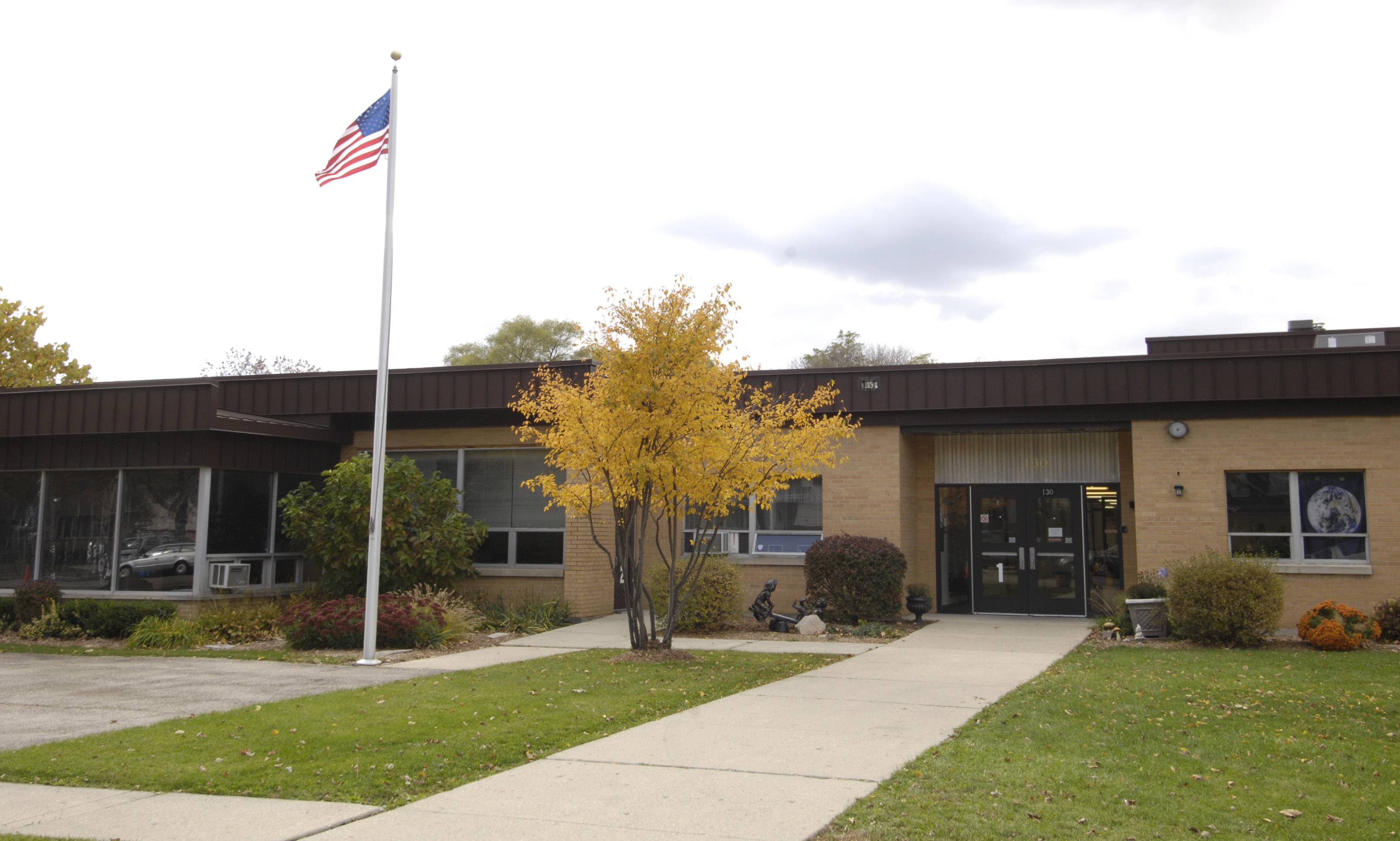 Wheaton Warrenville Unit District 200 school board members are considering a plan to replace the Jefferson Early Childhood Center with a new building on the existing campus off Manchester Road.