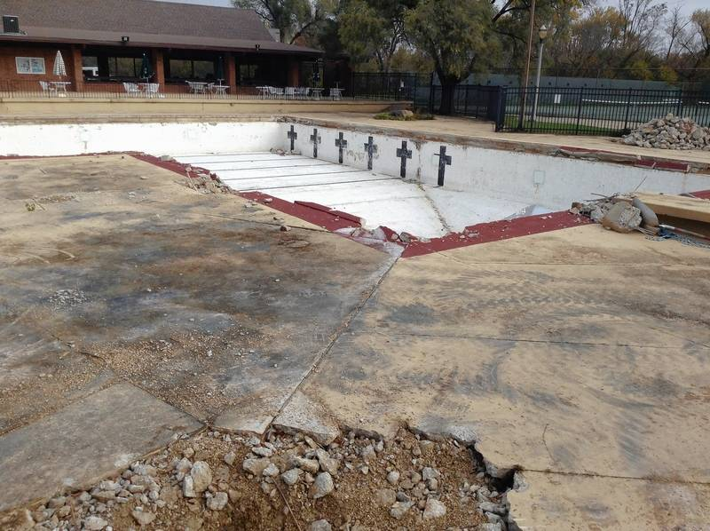 The Rolling Meadows Park District Closed Plum Grove Pool Last Year Due To Leaks