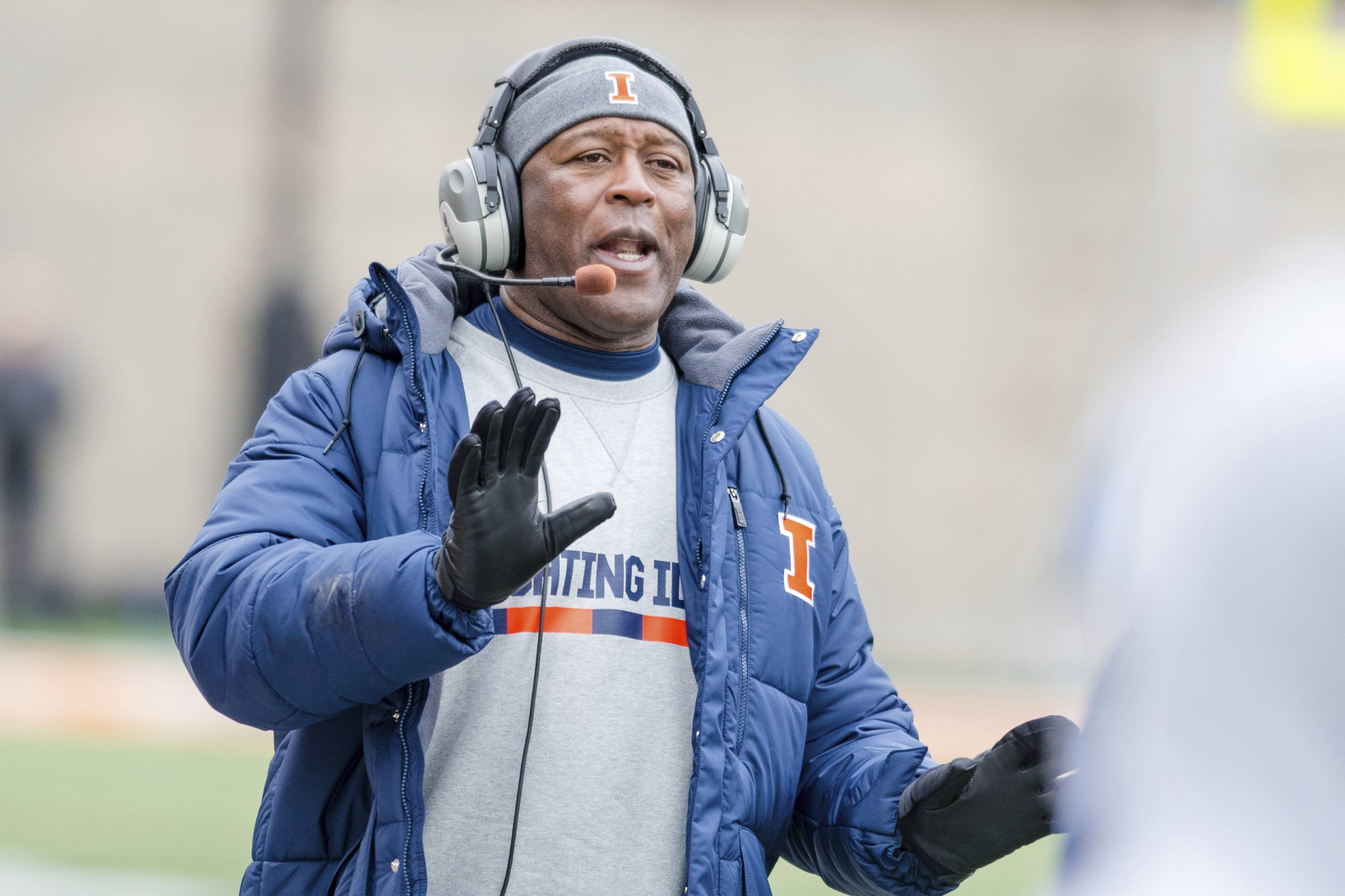 Associated Press Illinois head coach Lovie Smith shouts from the sideline during the second quarter of an NCAA college football game against Wisconsin on Saturday. Smith is eager to find a win as the end of the season nears. The Illini have played better of late, losing 24-10 at home to No. 4 Wisconsin on Saturday a week after losing by a touchdown to Minnesota.