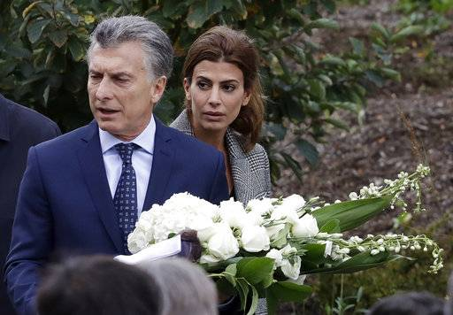 Argentine President Mauricio Macri and first lady Juliana Awada visit the site of the terrorist attack on a Manhattan bike path, Monday, Nov. 6, 2017, in New York. Five Argentinians were among eight people killed by the terrorist who drove a truck down the bike path on Tuesday, Oct. 31.