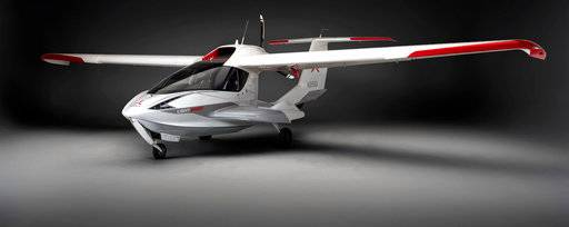 This image provided by ICON Aircraft shows an ICON A5. Roy Halladay was flying one of the tiny sport planes Tuesday, Nov. 7, 2017, when he fatally crashed into the Gulf of Mexico. The 40-year-old former Blue Jays and Phillies pitcher, had been the proud owner for less than a month of his ICON A5, made for entry-level pilots like him, and was among the first to fly it with only about 20 in existence, according the website for ICON Aviation. (ICON Aircraft via AP)