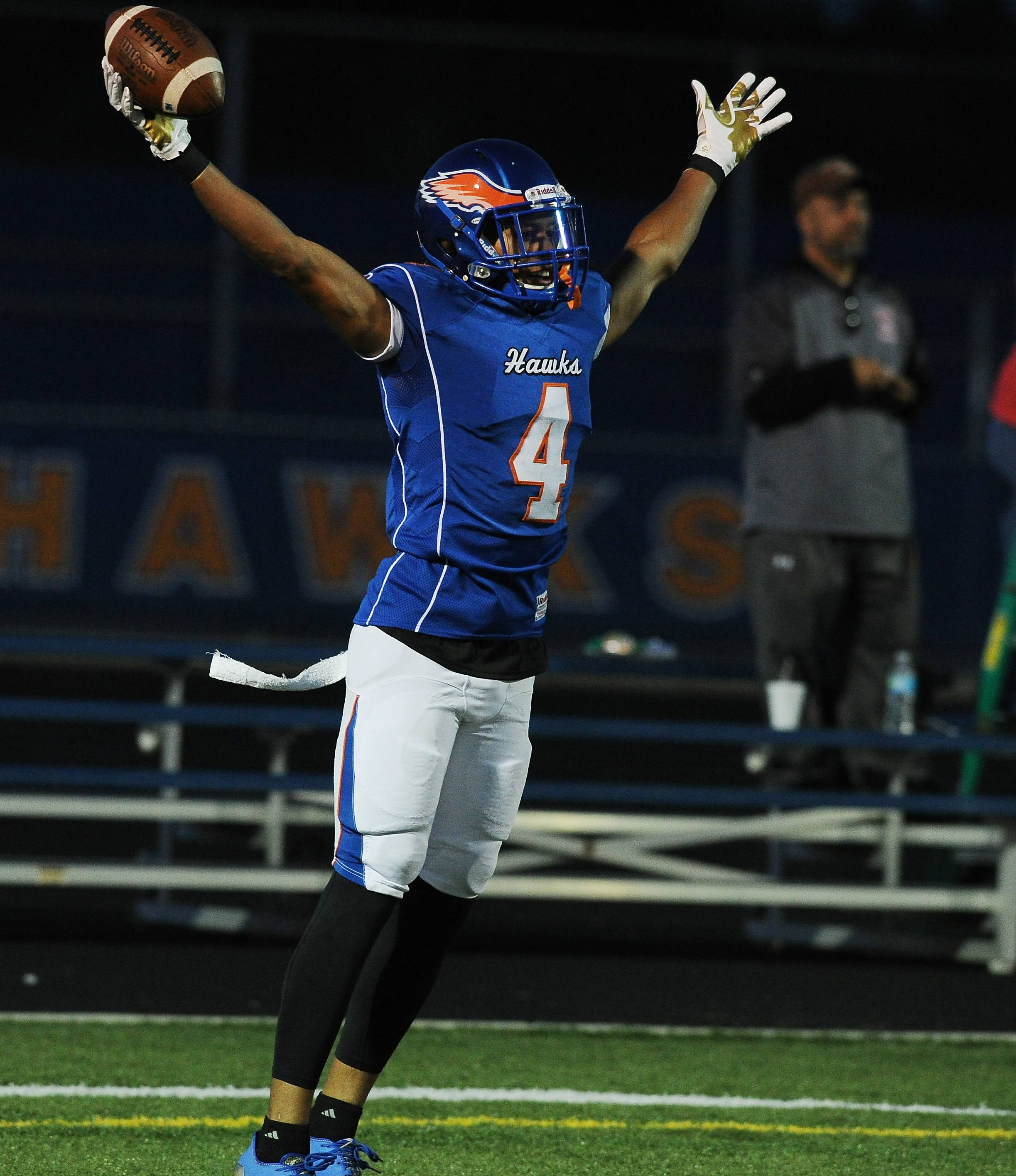 Hoffman Estates and receiver Jayvon Blissett will play a Class 6A quarterfinal game at Belvidere North Saturday.