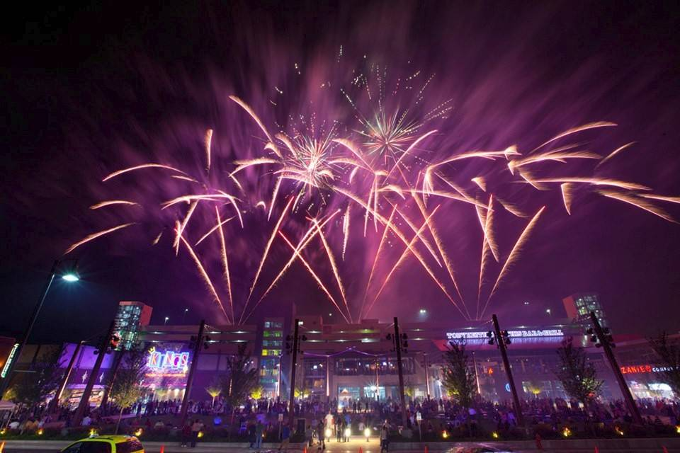 Rosemont will pay $243,300 for 17 fireworks shows in 2018, under a deal approved this week.