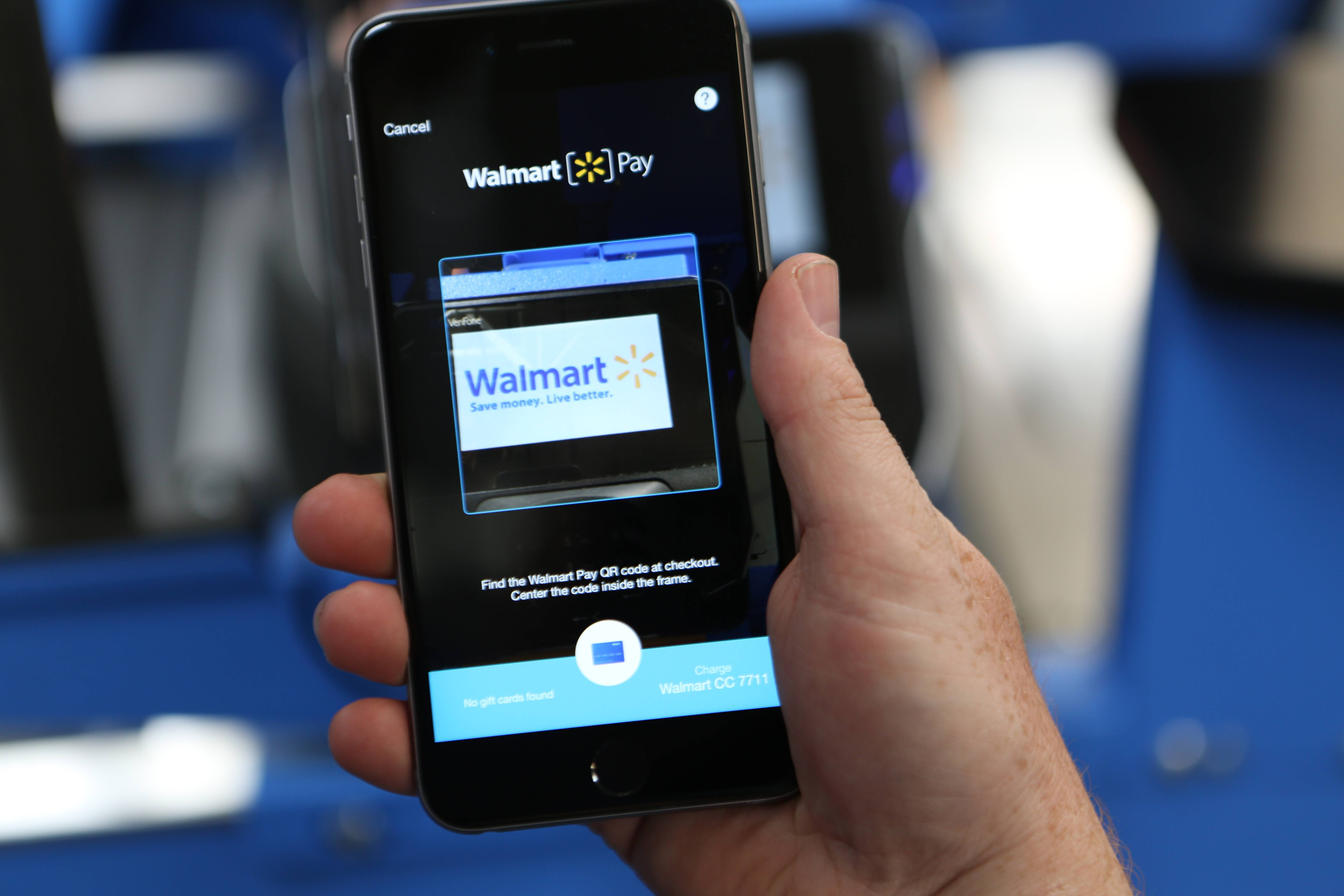 Wal-Mart Stores's app is close to surpassing Apple Pay in usage for mobile payments in the U.S., giving the world's largest retailer even more clout as a growing number of people shop with their smartphones.