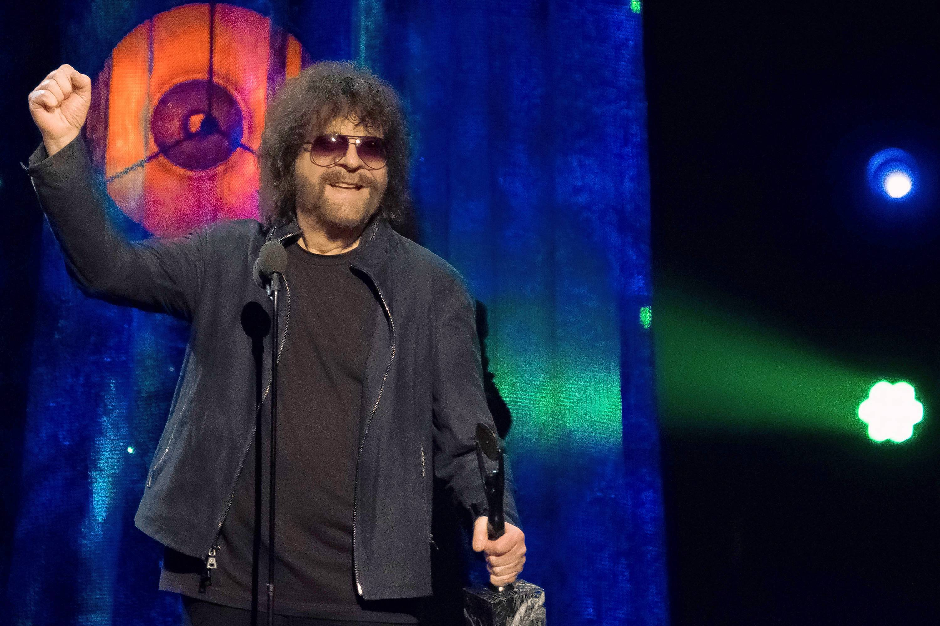 "Jeff Lynne's ELO will bring its ""Wembley or Bust"" tour to the Allstate Arena in Rosemont on Wednesday, Aug. 15."