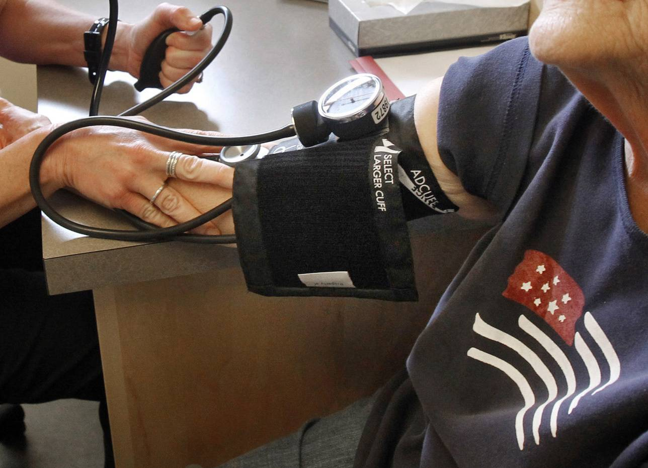 New medical guidelines lower the threshold for high blood pressure.