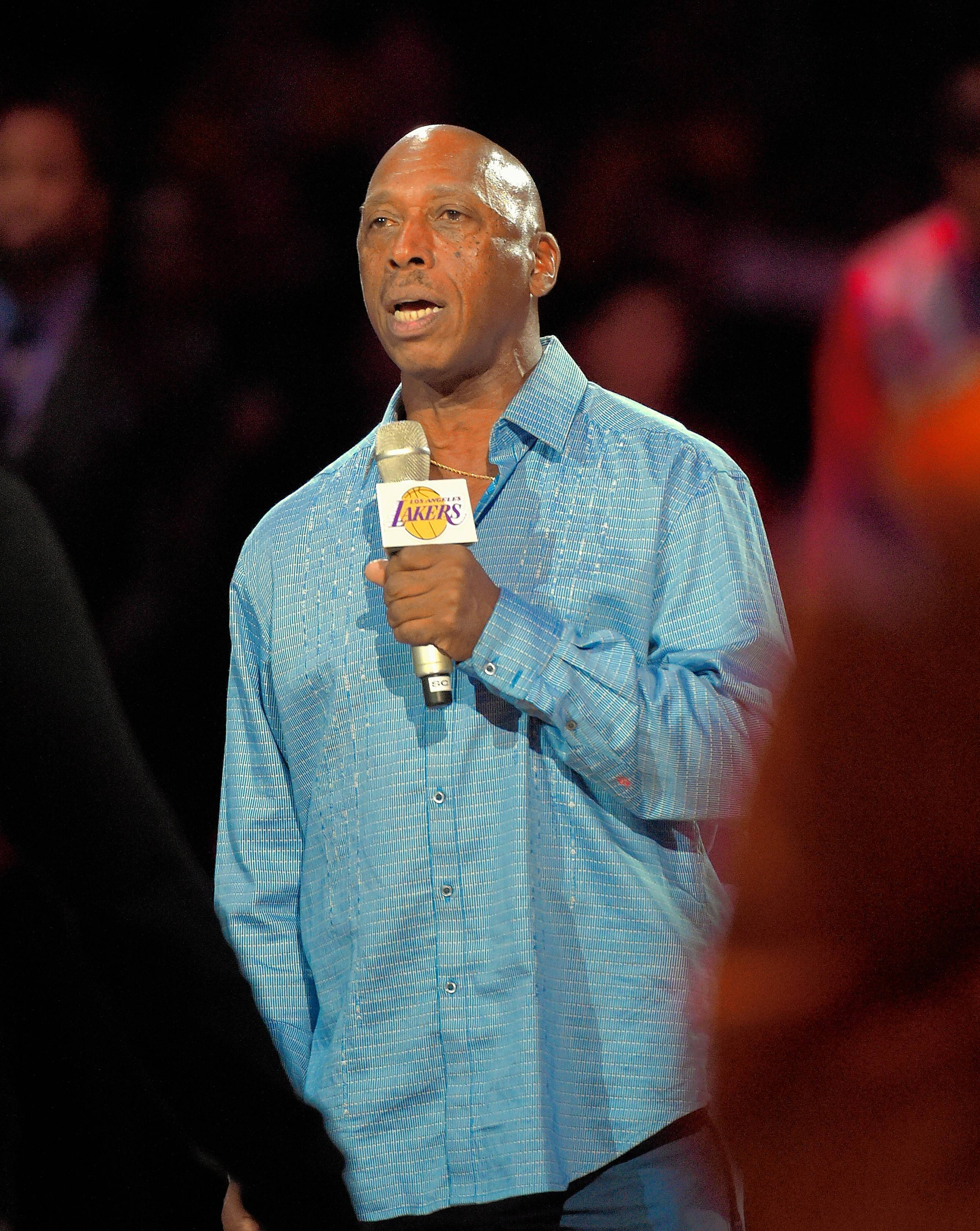 R&B singer Jeffrey Osborne performs at the Genesee Theatre in Waukegan on Friday, Nov. 17.