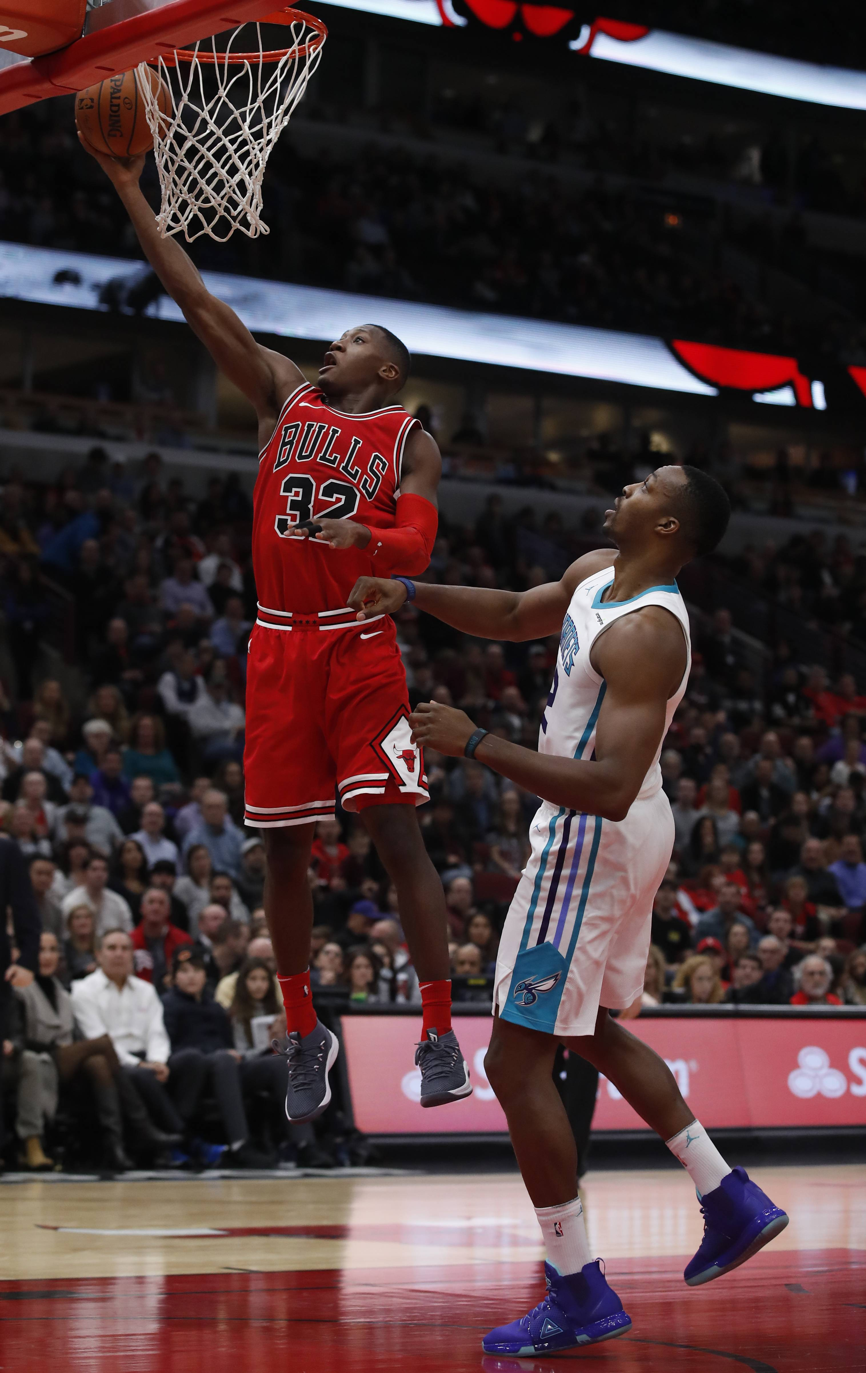 Dunn does it right as Bulls edge Charlotte