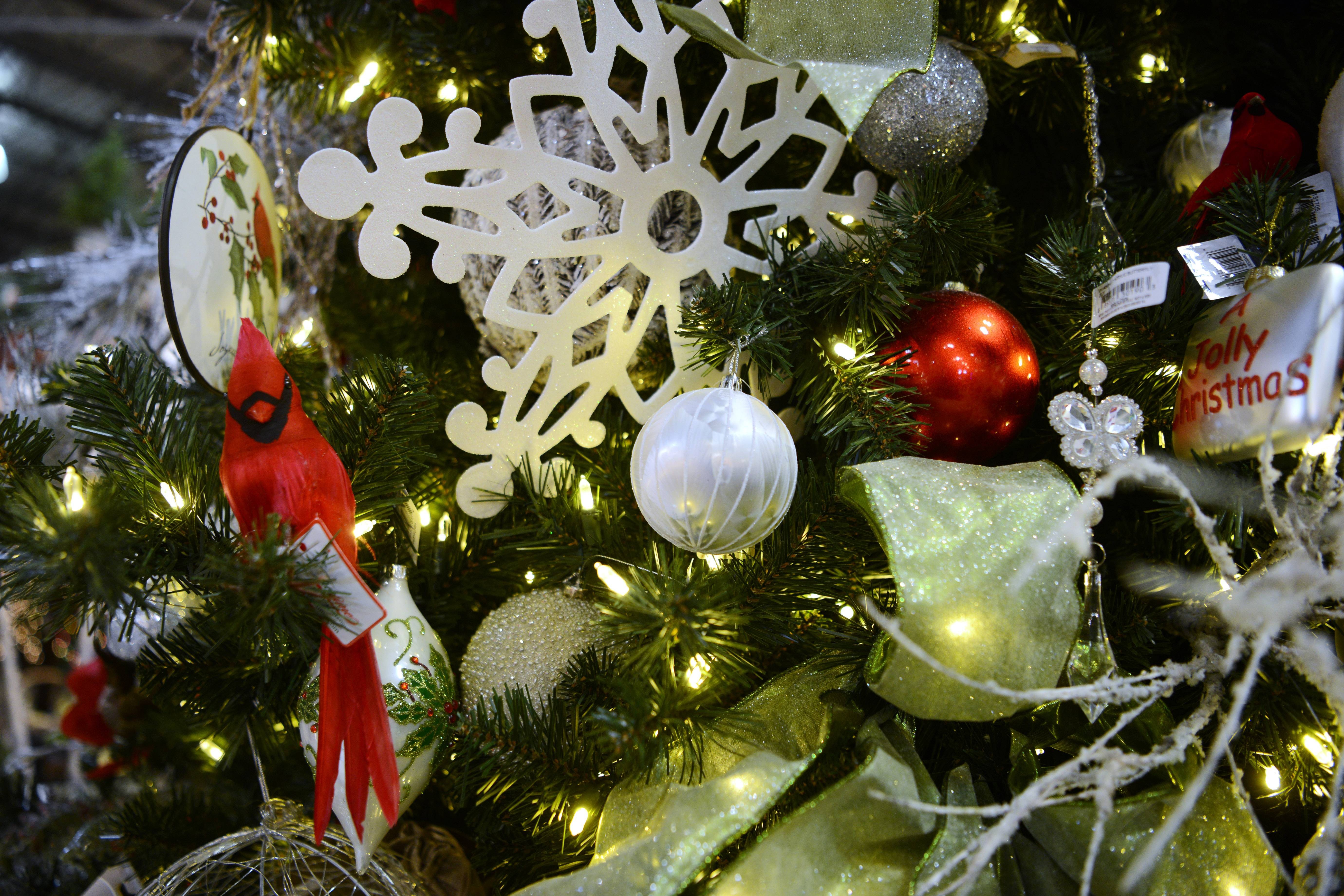 Winter Garden tree at Treetime Christmas Creations.