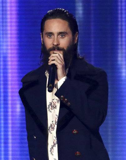 Jared Leto presents the award for artist of the year at the American Music Awards at the Microsoft Theater on Sunday, Nov. 19, 2017, in Los Angeles. (Photo by Matt Sayles/Invision/AP)