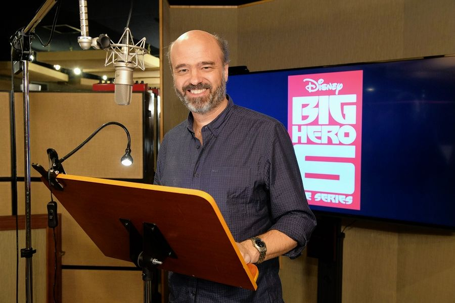 "Comedian Scott Adsit, who grew up in Northbrook, is the voice of Baymax in ""Big Hero 6: The Series,"" on Disney XD channel."
