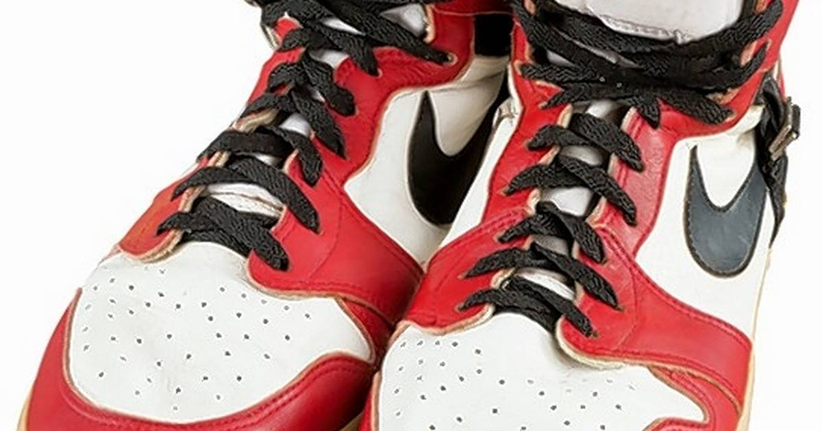 promo code 03116 1db94 Michael Jordan s shoes get record  55,000 at auction