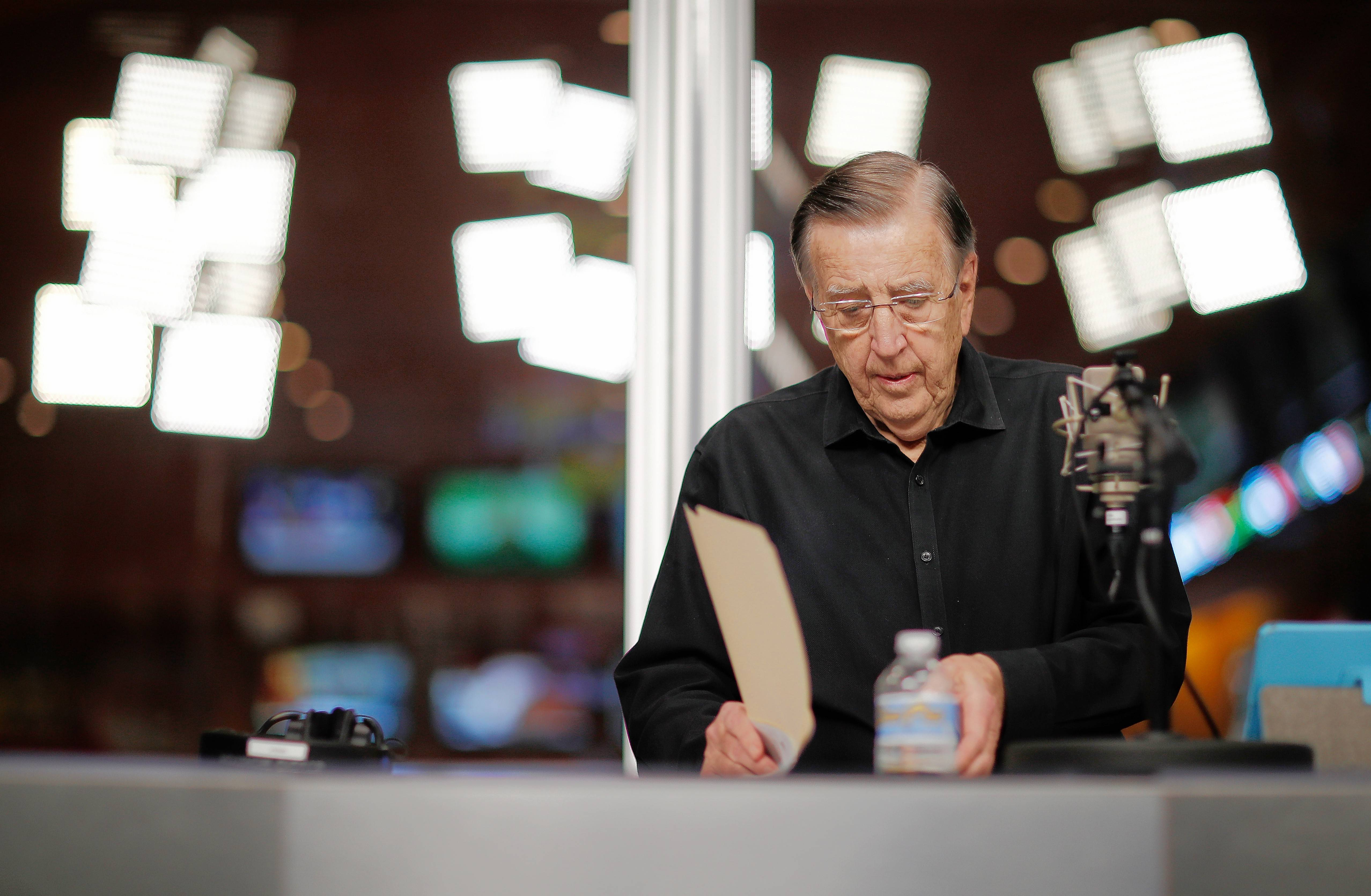You're looking live at Brent Musburger in a sports book