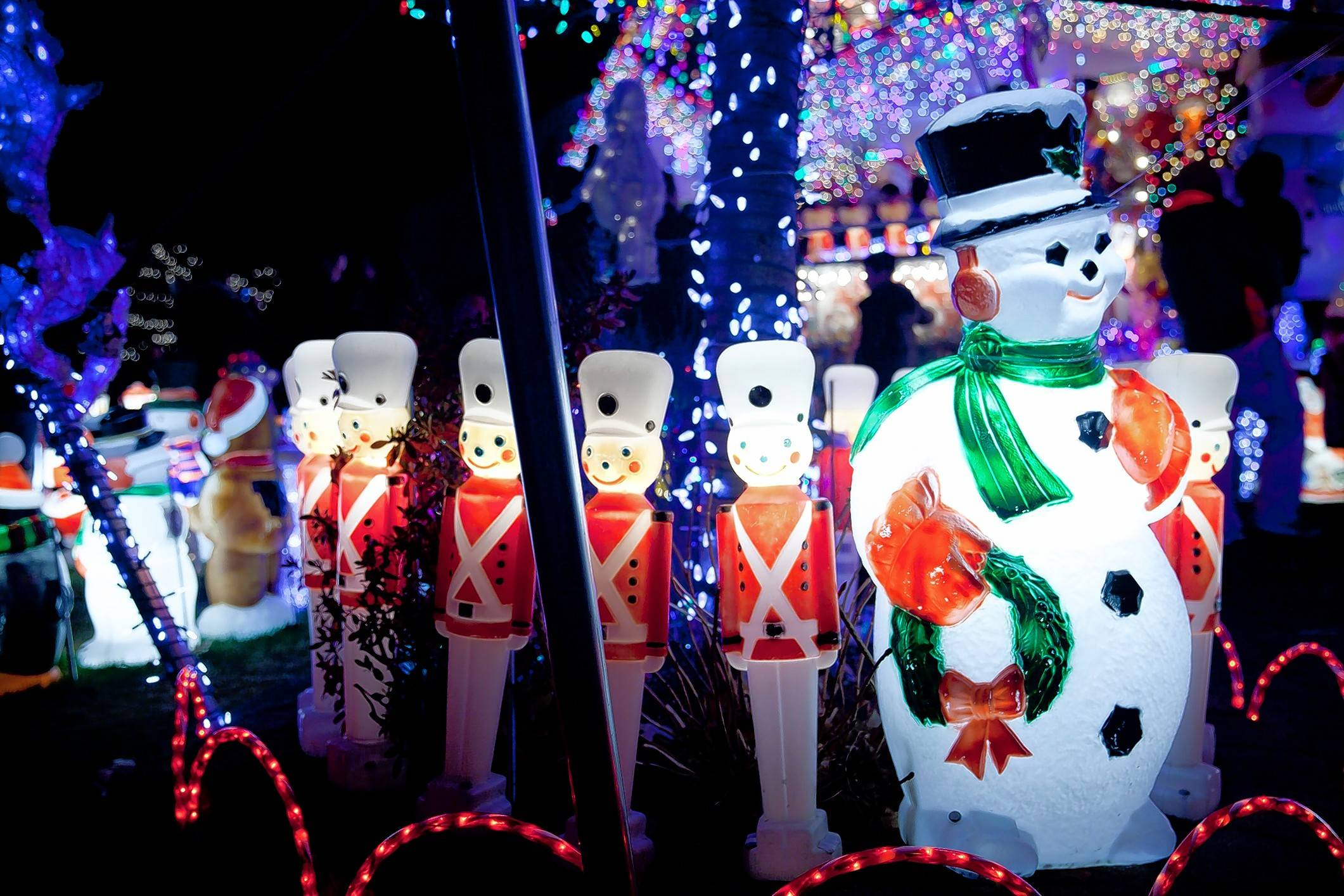 The deadline to enter the 2017 Daily Herald holiday lights contest is Friday, Dec. 8.