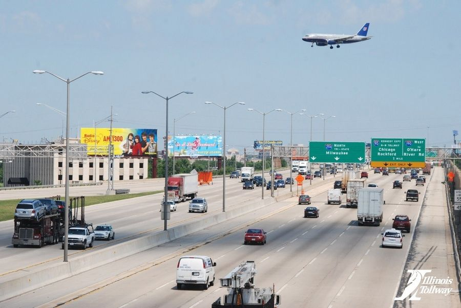 The Illinois tollway plans to rebuild and likely widen the Central Tri-State Tollway between Rosemont and Oak Lawn.