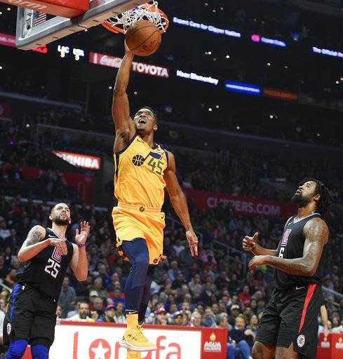Jazz overwhelm Clippers in fourth to win 126-107