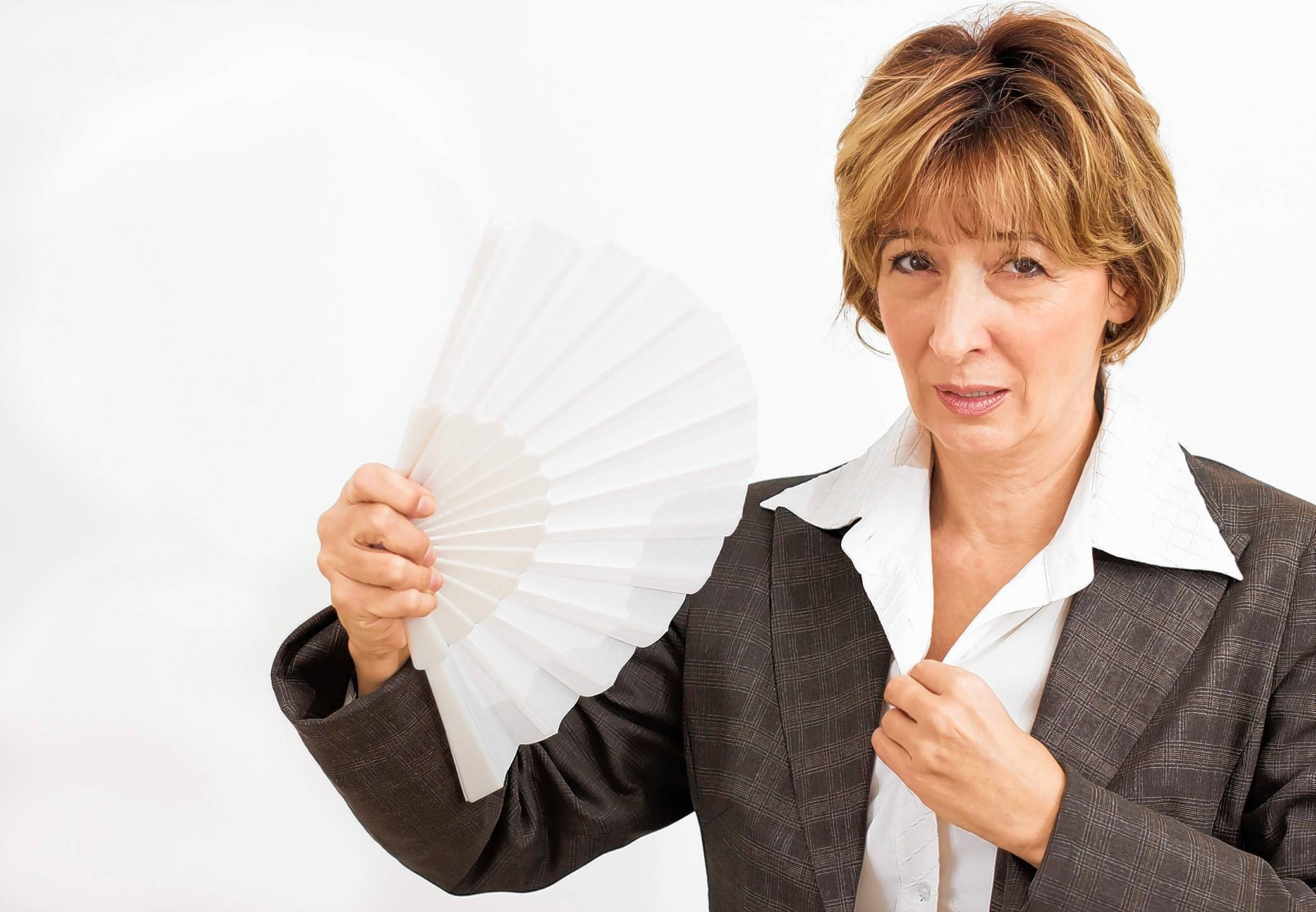 What's the cause of hot flashes?