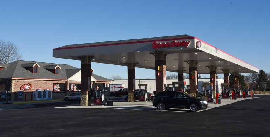 A new Speedway gasoline station and cafe, which is expected to provide at least $100,000 in annual sales tax revenue, opened Thursday in Lake Barrington.