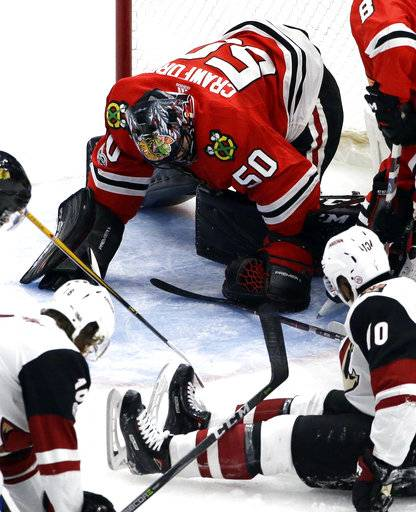 Crawford leads Blackhawks to 3-1 win over Coyotes