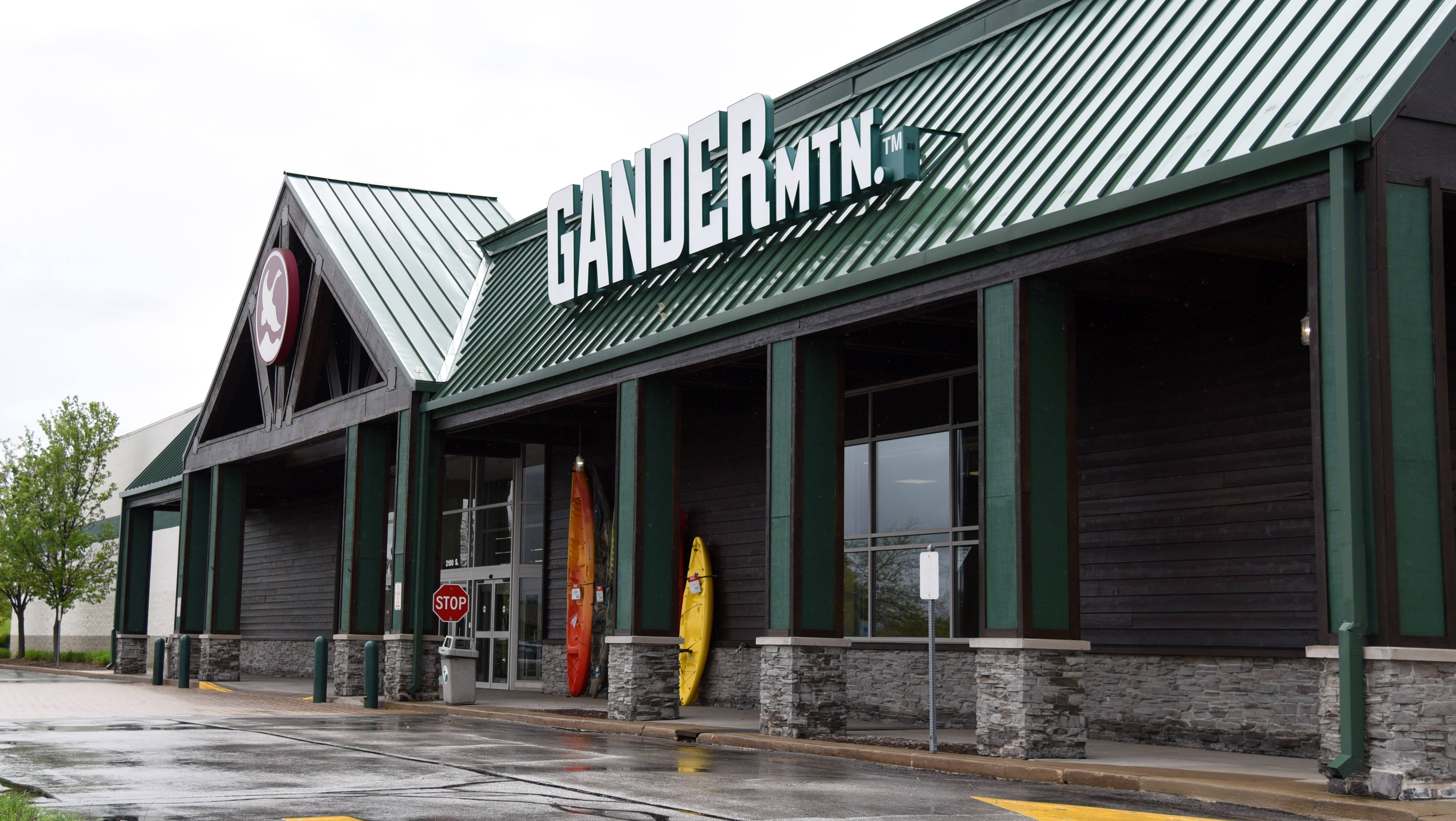 An At Home house-decorations store is planning to move in to the former Gander Mountain space in the Fabyan Crossing shopping center on Randall Road.