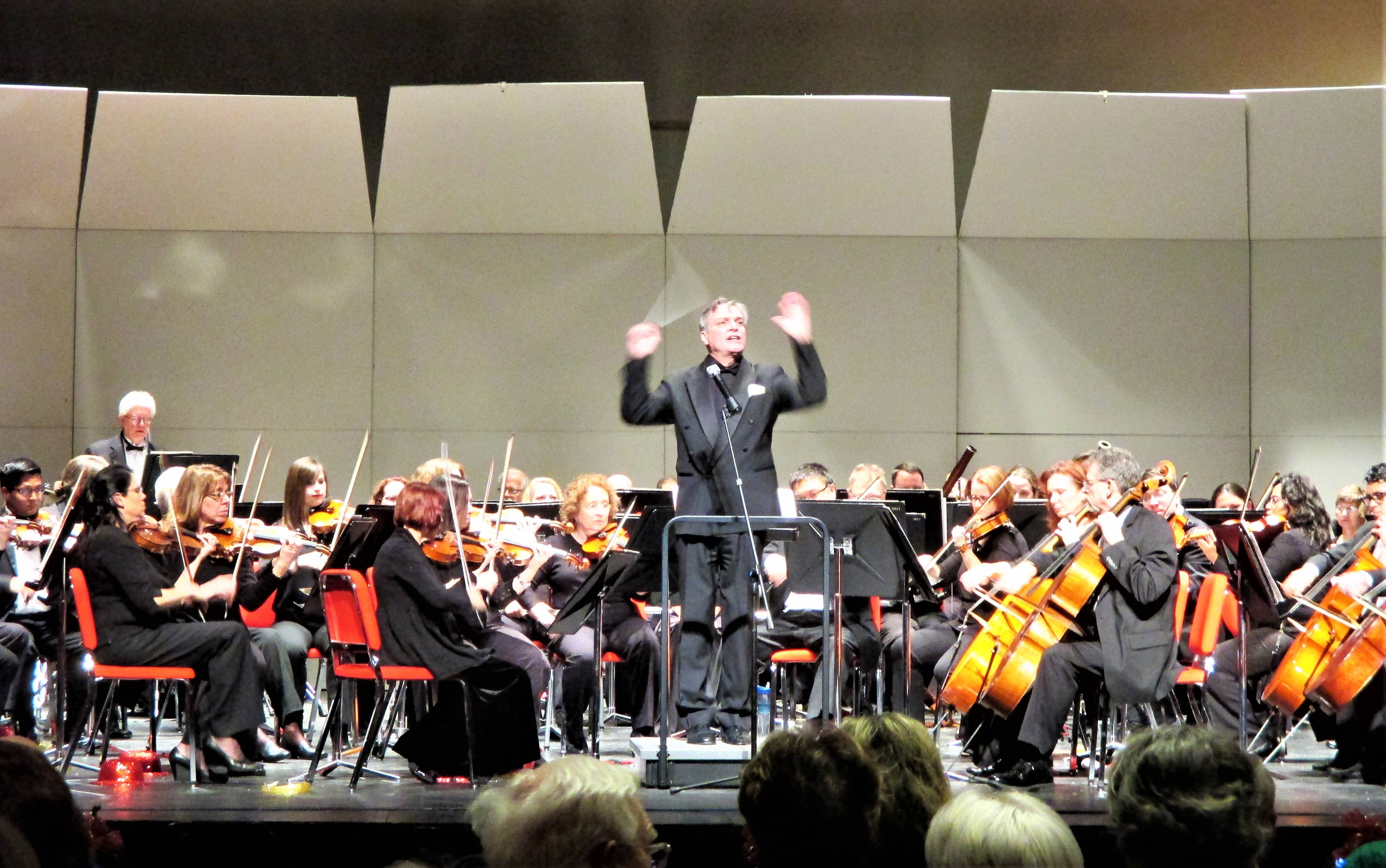 West Suburban Symphony Orchestra and Singers lit up Hinsdale with a beautiful holiday concert program on Sunday, December 10.Natalia Dagenhart