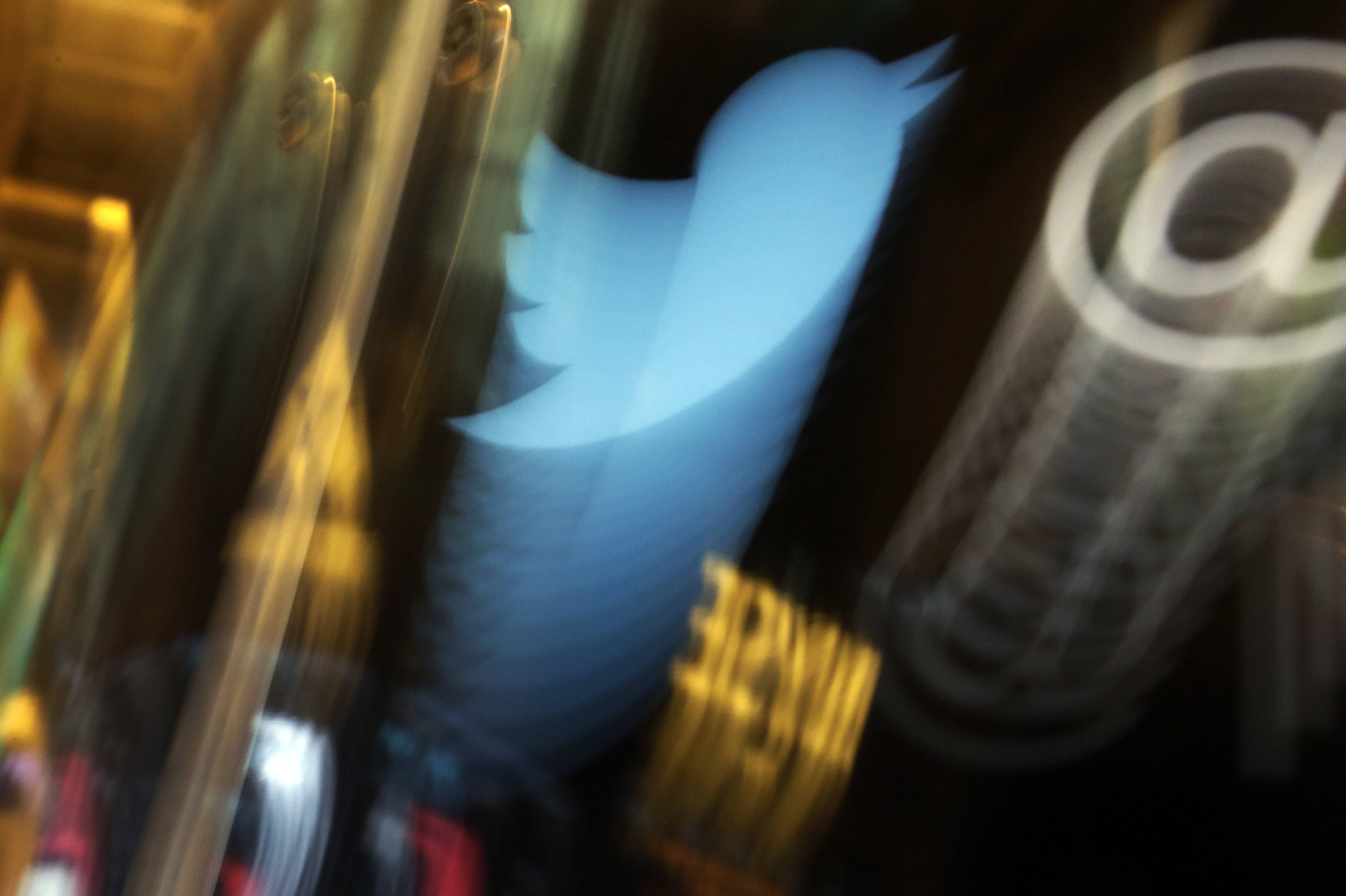 Twitter announced Tuesday that it's adding a tool that makes it easy to thread tweets together, giving users more space for thoughtful commentary, unhinged rants and everything in between.
