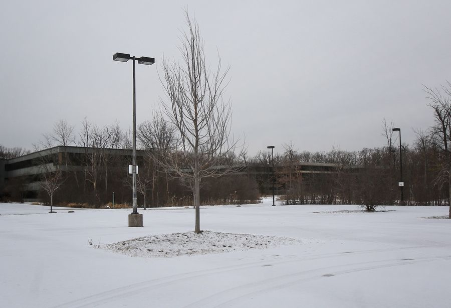 The mostly unused Medline campus on Route 22 at the Tri-State Tollway in Lincolnshire could be redeveloped into an athletic and recreation complex.